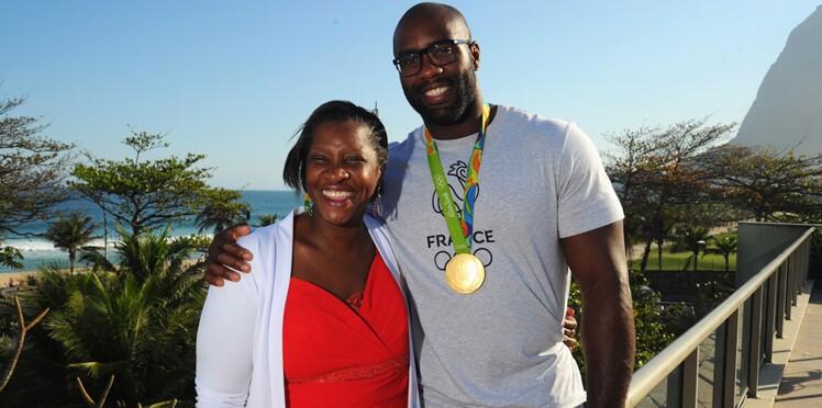 Photos : Teddy Riner célèbre sa victoire aux JO avec sa maman