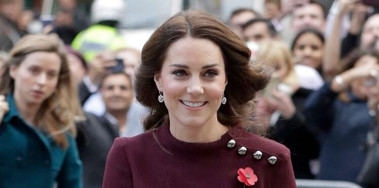 Photos - Kate Middleton, enceinte et lumineuse auprès de la Reine