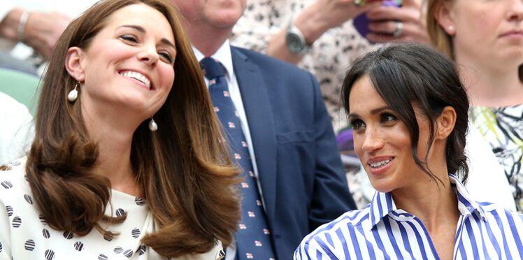 Photos – Kate Middleton et Meghan Markle à Wimbledon : les duchesses complices et très souriantes