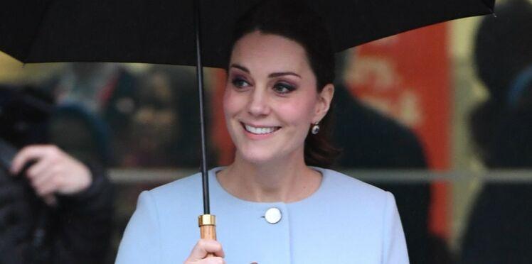Photos - Kate Middleton : son ventre de future maman s'arrondit
