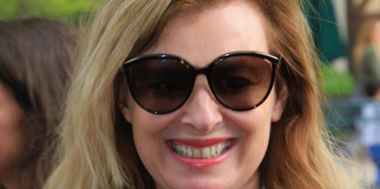 """Photos - """"Lunettes Chanel"""" et """"clope"""" au bec, Valérie Trierweiler se moque de la ministre de la Santé, Agnès Buzyn"""