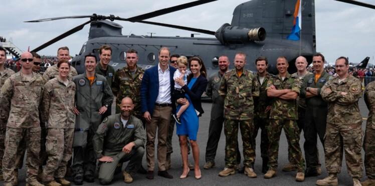 Photos : le prince George aux commandes d'un avion de chasse