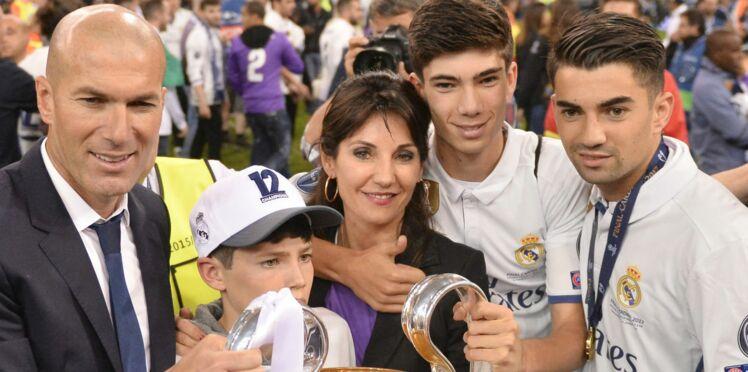 Photos - Zinédine Zidane : ses quatre fils dévoilent leurs abdos en vacances à Ibiza