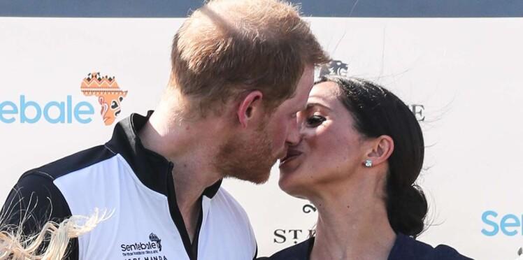Pourquoi le nouveau baiser public de Meghan et Harry fait polémique