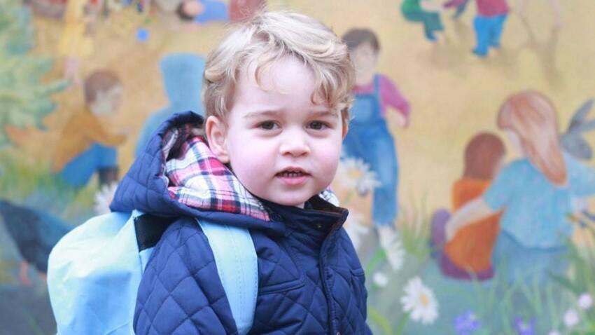 Photos (adorables) : le prince George fait son entrée à l'école, Kate immortalise ce moment