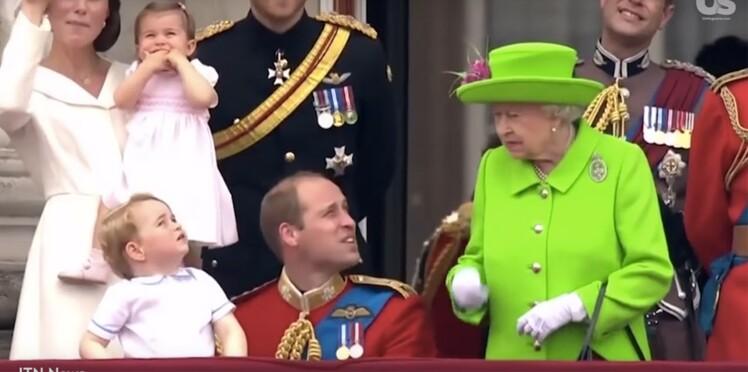 Vidéo : le prince William se fait gronder par la Reine devant tout le pays