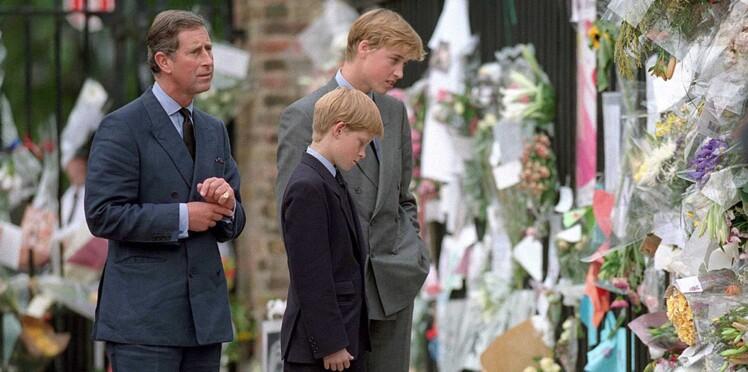 """Le Prince William, triste de ne pas avoir su """"protéger"""" sa mère Diana : """"Nous l'avons laissée tomber"""""""