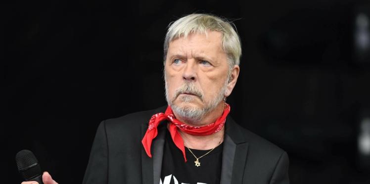 Renaud : son ex-femme, Romane Serda, donne des nouvelles du chanteur, en maison de repos
