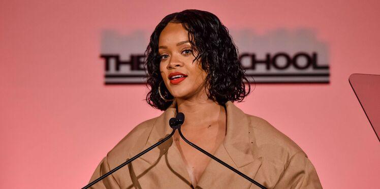 Rihanna interpelle Emmanuel Macron en français sur Twitter