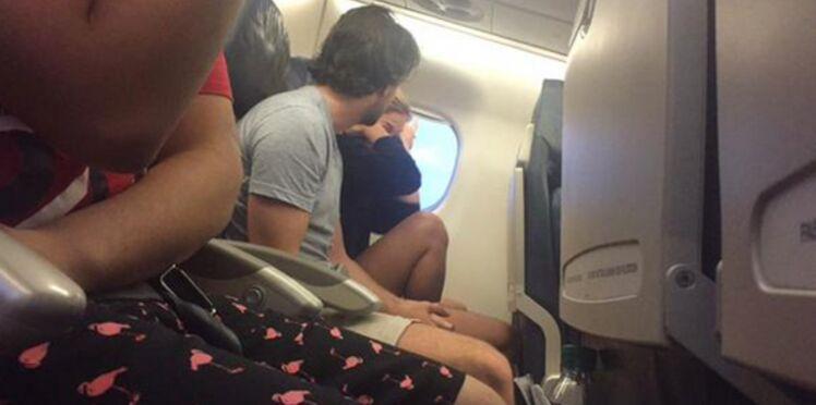 La rupture dans un avion qui amuse Twitter