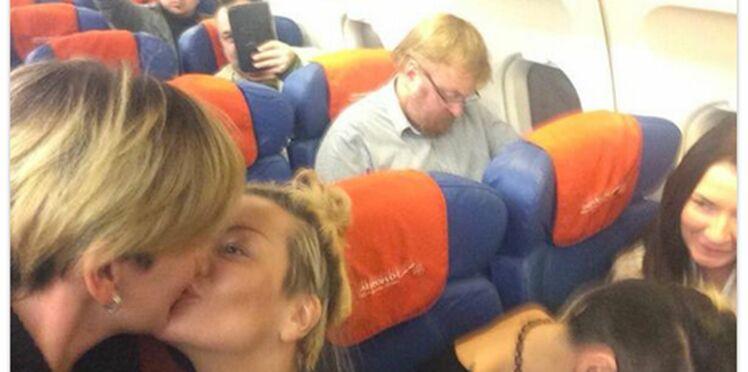 Un couple homosexuel fait un selfie avec un politicien homophobe