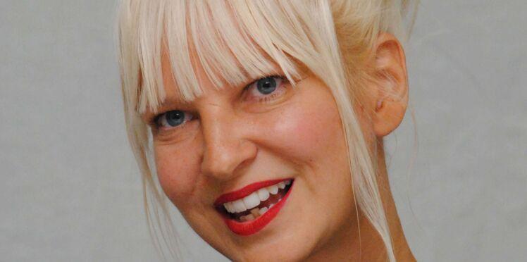 Photo – Sia : elle devance son maître-chanteur en dévoilant un cliché d'elle nue