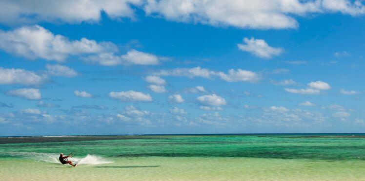 En vacances, tout est permis! Découvrez notre sondage exclusif