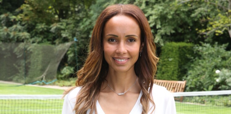 "Sonia Rolland ""toujours aussi belle"" pose topless sur Instagram"