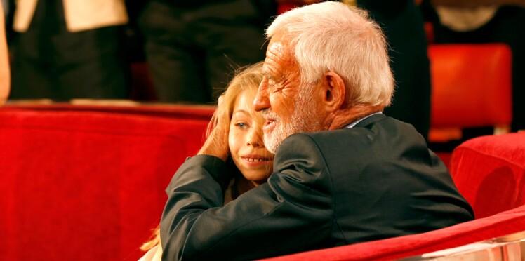 Photos - À 14 ans, Stella, la fille de Jean-Paul Belmondo, a la même frimousse que sa mère Natty