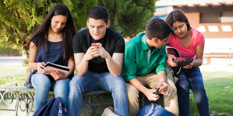 Suppression des portables au collège: le ministre de l'Education en prend l'engagement