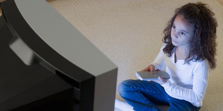 Vers une loi pour protéger les enfants des pubs télé?