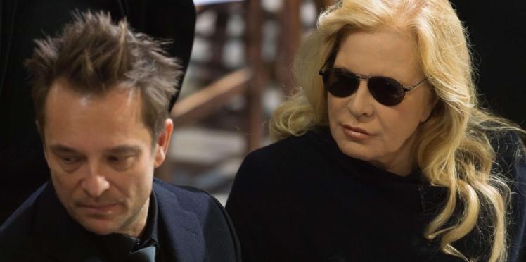 Sylvie Vartan affirme que Johnny Hallyday ne lui a jamais versé de pension alimentaire pour élever David