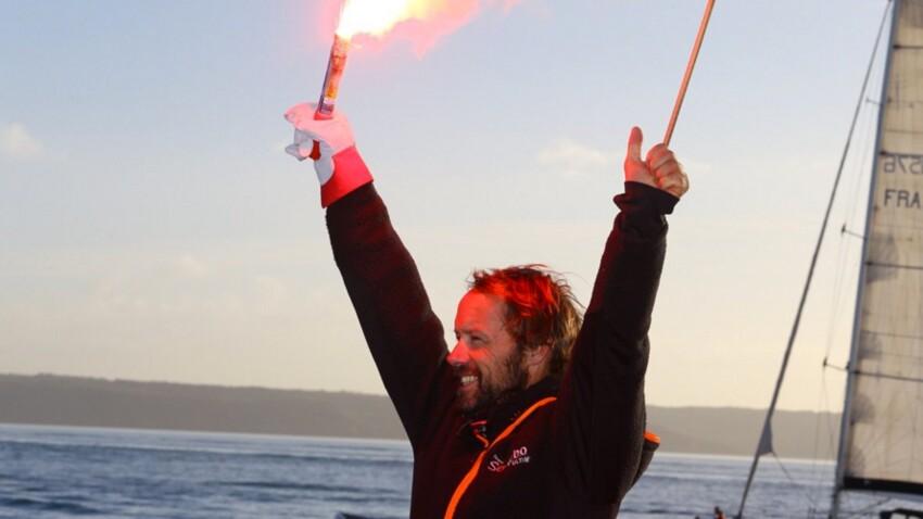 Thomas Coville réalise le tour du monde en 49 jours