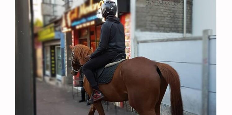 Vidéo – Un jeune rappeur se balade en cheval en Seine-Saint-Denis