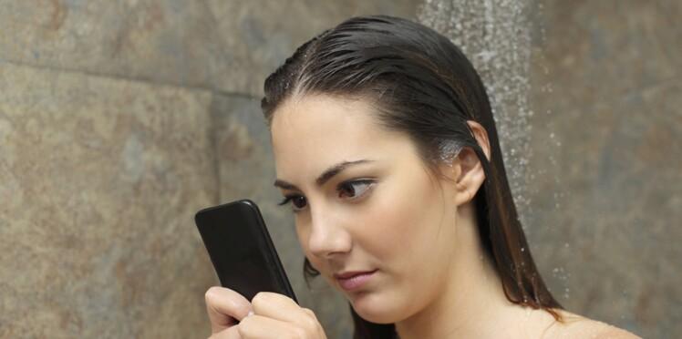 Un tiers des Françaises espionne le portable de leur conjoint, et vous?