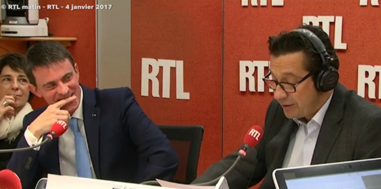 VIDÉO - Valls hilare face à l'imitation de Macron par Laurent Gerra