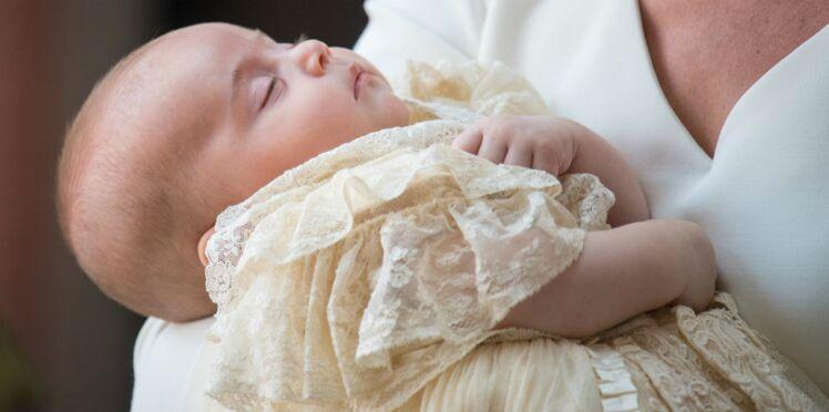 Vidéos – George, Charlotte, Meghan Markle, Harry… Tous réunis au baptême du prince Louis