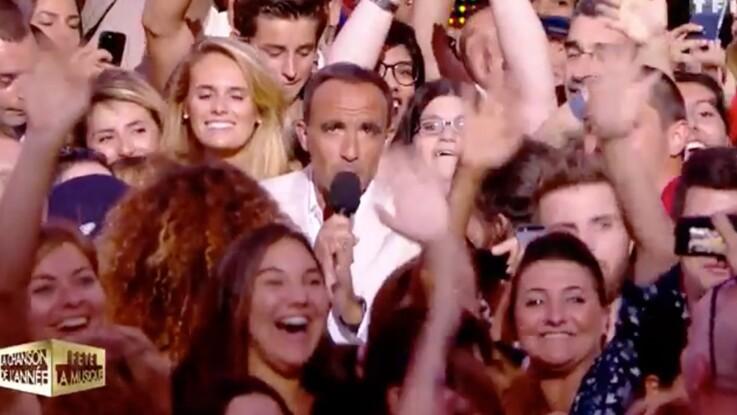 Vidéo – Dragué en direct, Nikos Aliagas envoie balader une fan