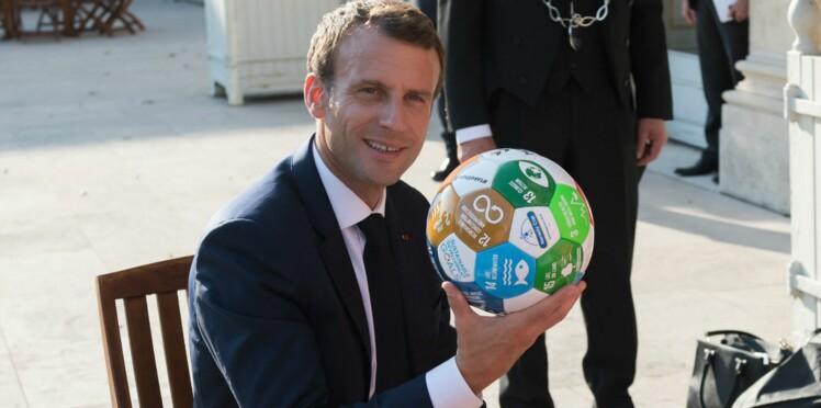Vidéo - Emmanuel Macron célèbre la victoire des Bleus avec 300 jeunes à l'Élysée