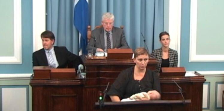 Vidéo : en Islande, une députée donne le sein au Parlement