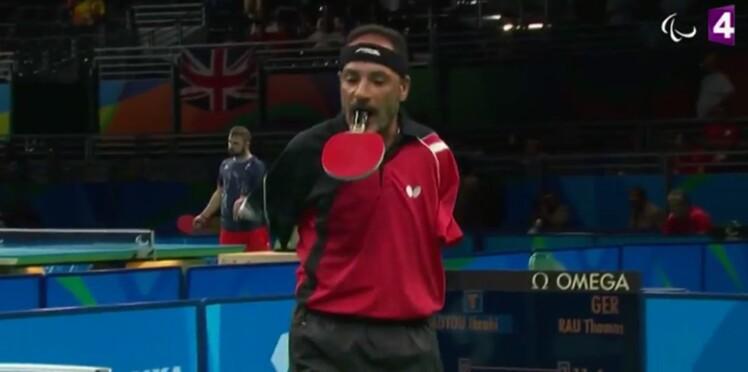 Vidéo : un pongiste amputé joue la raquette entre les dents aux Jeux paralympiques