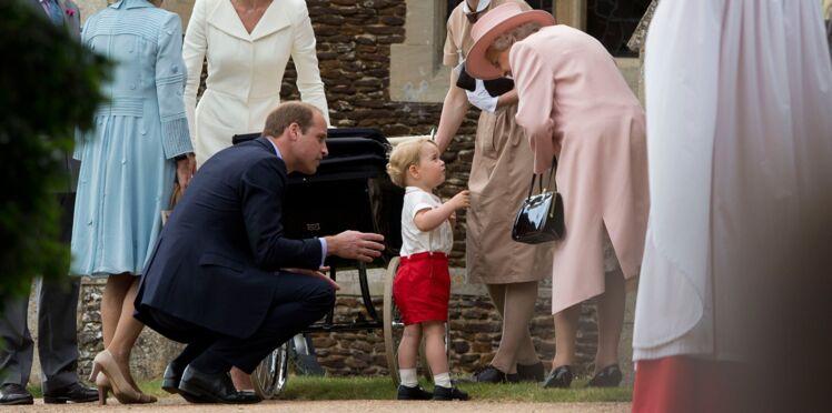 Vidéo mignonne : le prince George, petit chéri de la reine d'Angleterre