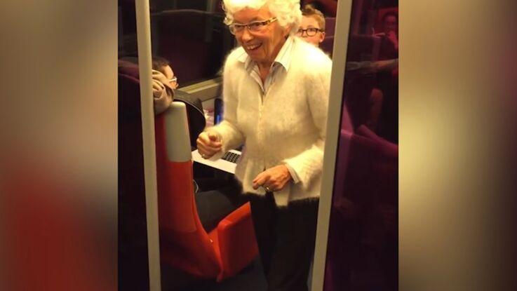 Vidéo : Quand Mamie fait un poirier dans le TGV
