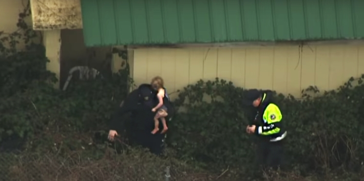 VIDEO – Un bébé porté disparu retrouvé dans un buisson