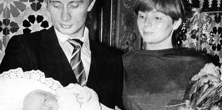 """Vladimir Poutine : qui sont Maria et Ekaterina Poutine, ses filles dont il est """"si fier"""" ?"""