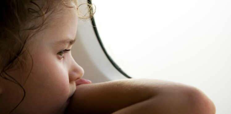 Des vols sans enfants ? La question qui fait débat sur Twitter