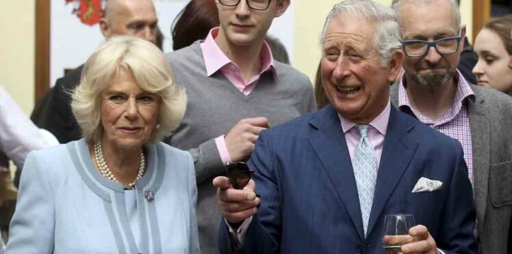 De nouvelles révélations sur les infidélités du Prince Charles provoquent la fureur de Camilla