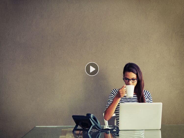 Télétravail micro entreprise comment travailler chez soi : femme