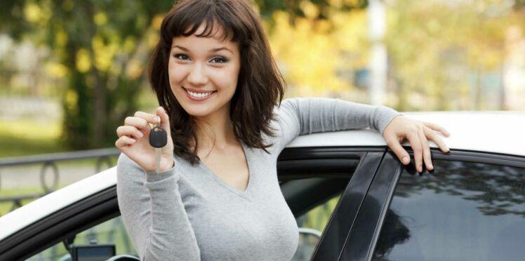 Location auto, des avantages exclusivement féminins
