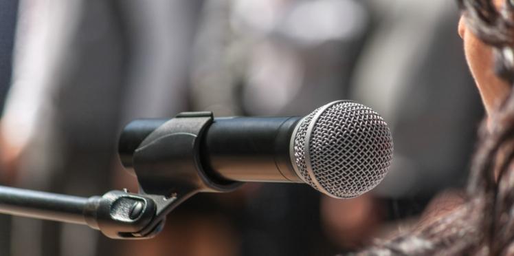 VIDÉO - Pourquoi ne reconnaît-on pas sa voix lorsqu'elle enregistrée ?