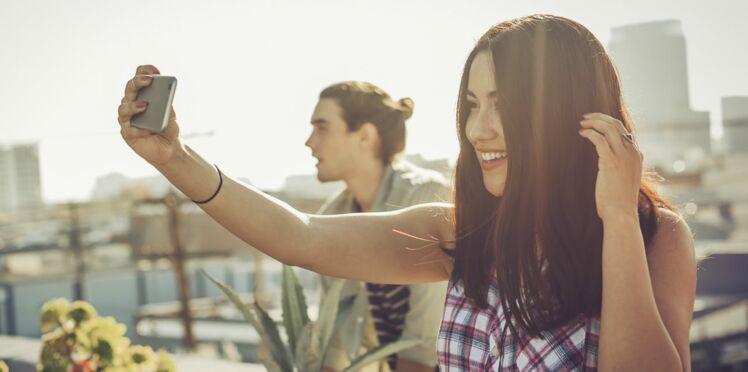 """Le """"gatsbying"""" : cette nouvelle technique pour séduire sur les réseaux sociaux"""