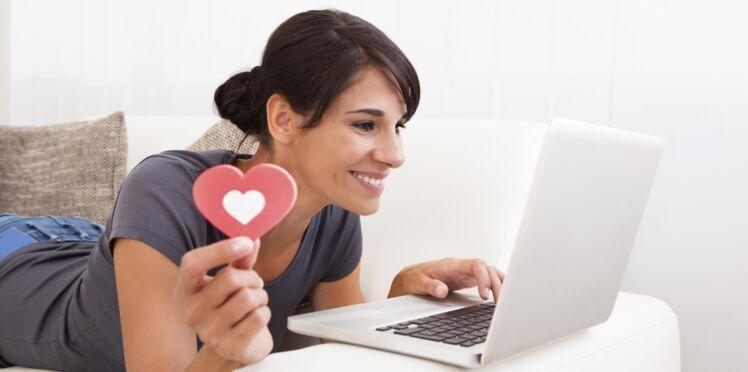 Retrouver son amour de jeunesse sur internet