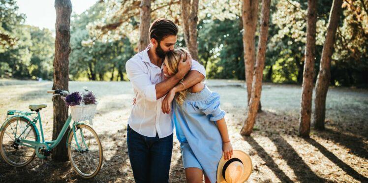 27 ans de mariage: 5 idées originales et romantiques pour célébrer vos noces d'acajou