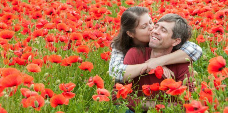 8 ans de mariage: 5 idées originales et romantiques pour vos noces de coquelicot
