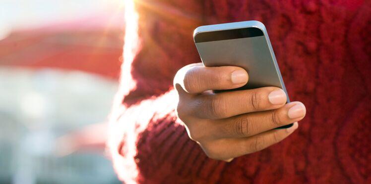"""L'""""orbiting"""" : ce nouveau comportement amoureux toxique issu des réseaux sociaux"""
