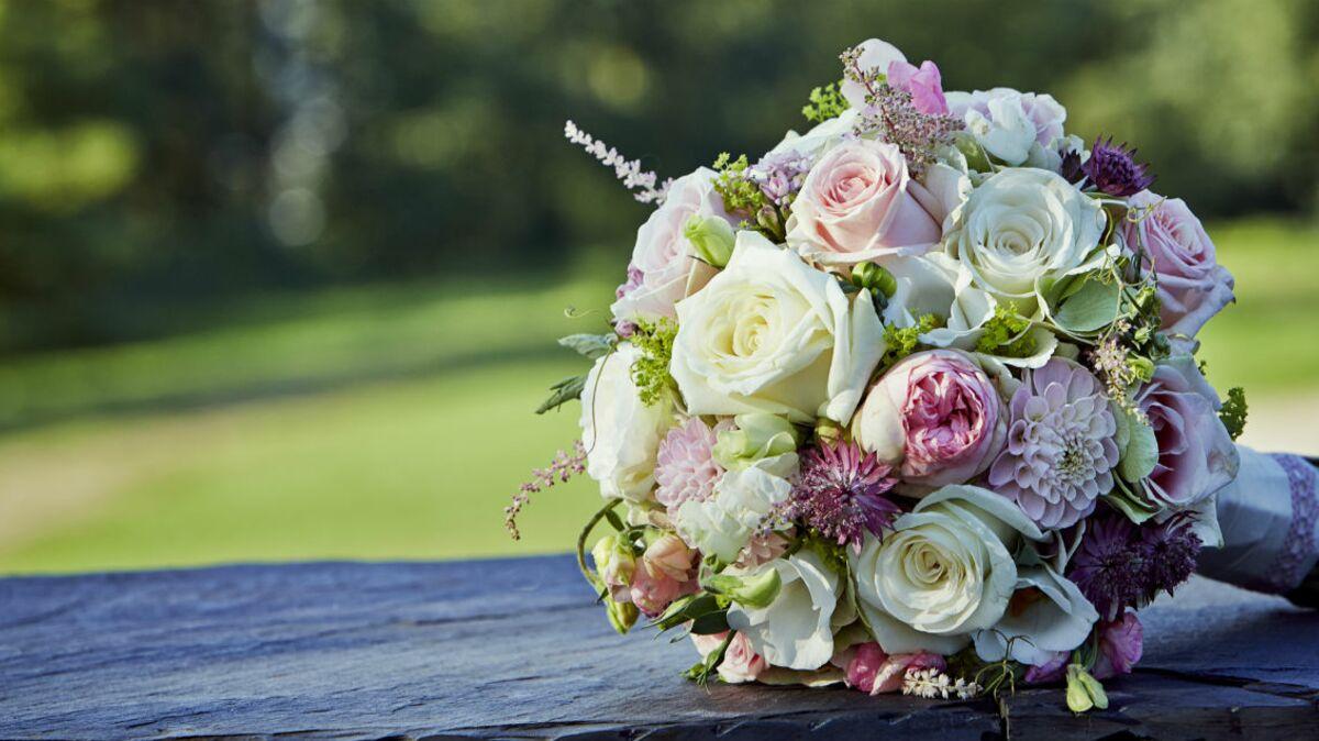 Que Faire Des Fleurs De Rhubarbe bouquet de mariage : la symbolique des fleurs et des