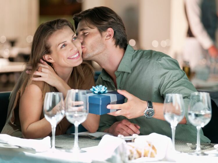 Des Idées Cadeaux Pour Un Anniversaire De Mariage