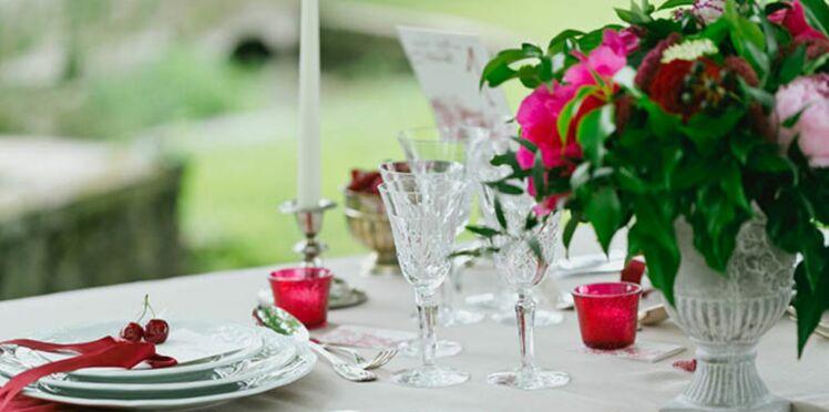 Idées déco de mariage : tout en rouge et blanc