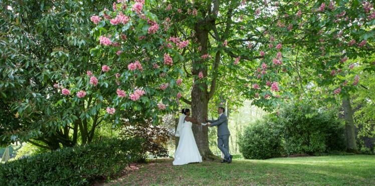 Histoire de mariage: le joli jour coloré de Valérie et David