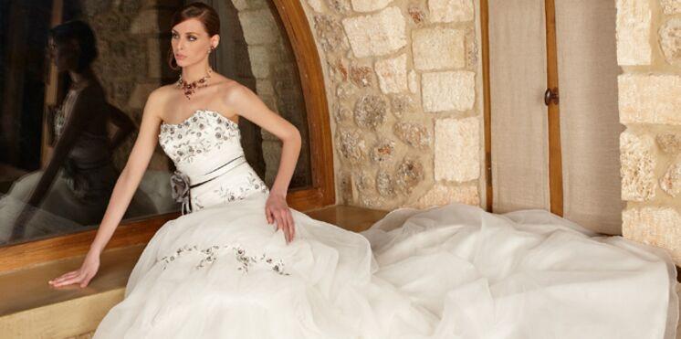 Robes de mariée 2012 : l'effet de longue traîne